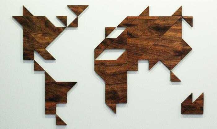 Wooden world map amouk tangram wood